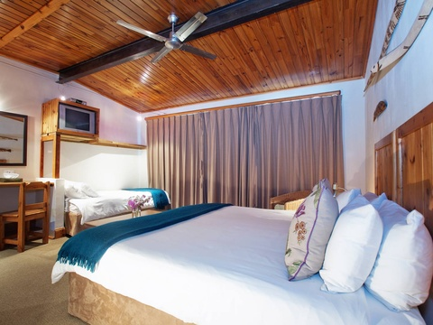 Triple Room Bed | Storms River Tsitsikamma Accommodation