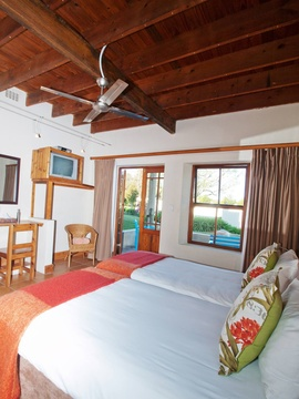 Twin Room Bedroom Layout | Storms River Tsitsikamma Accommodation